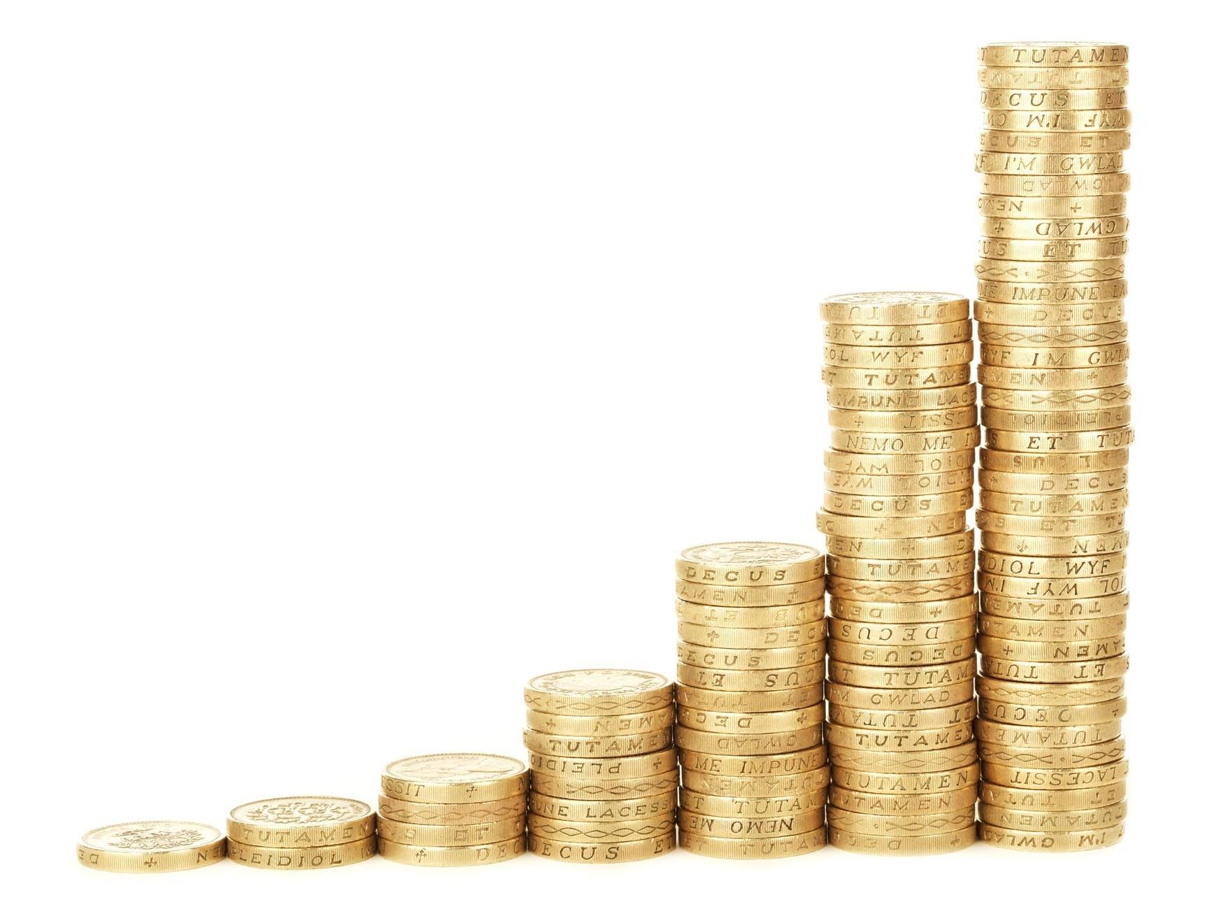 Как откладывать деньги с зарплаты правильно: разумное распределение