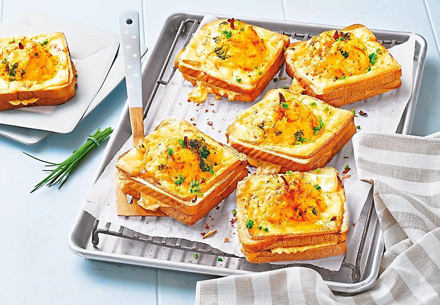 Завтракаем правильно: рецепт аппетитных тостов на любой вкус
