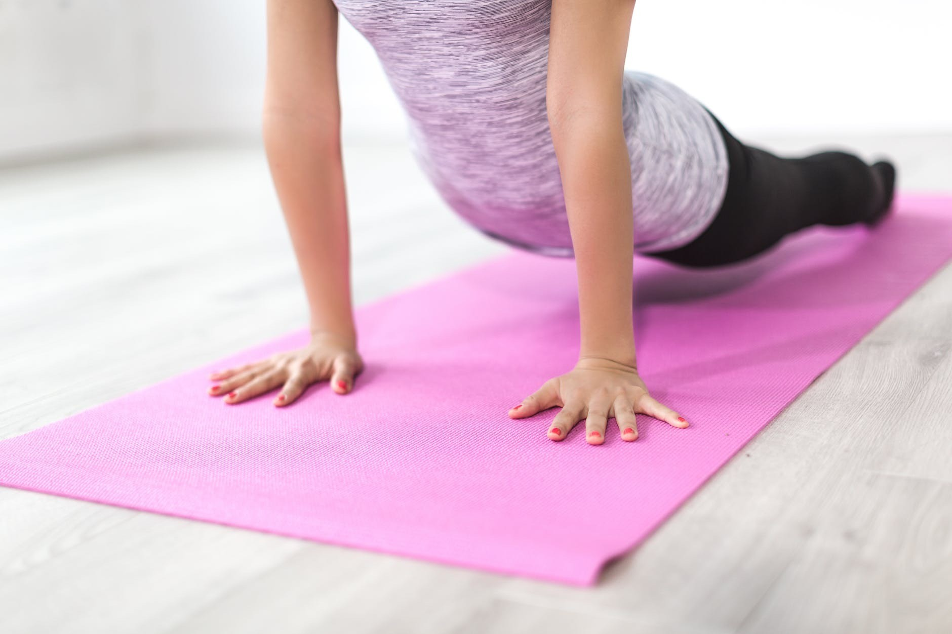 Как подтянуть живот после родов: упражнения и другие действенные способы