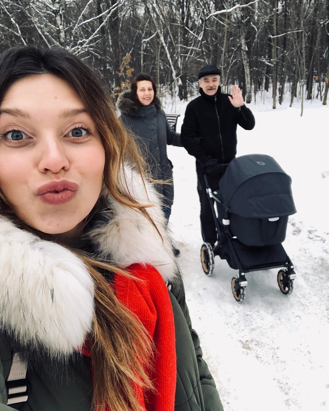 Регина Тодоренко с мамой, папой...