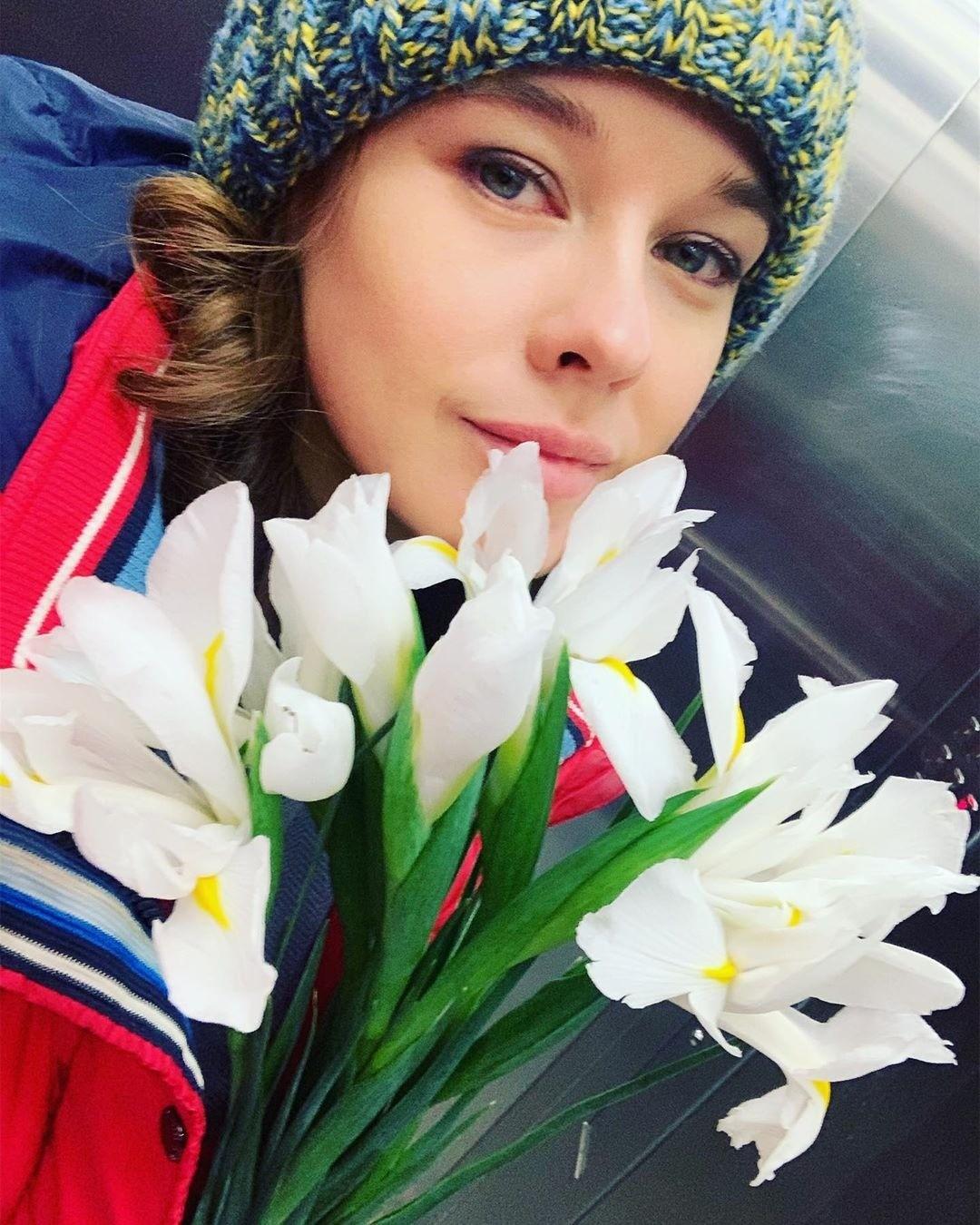 «Испытывала очень мощное чувство влюбленности»: Екатерина Шпица рассказала о своей первой любви