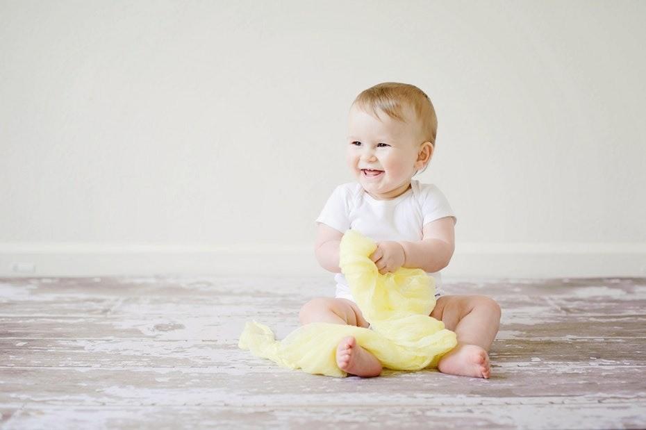 6 признаков, что режутся зубки – как помочь малышу?