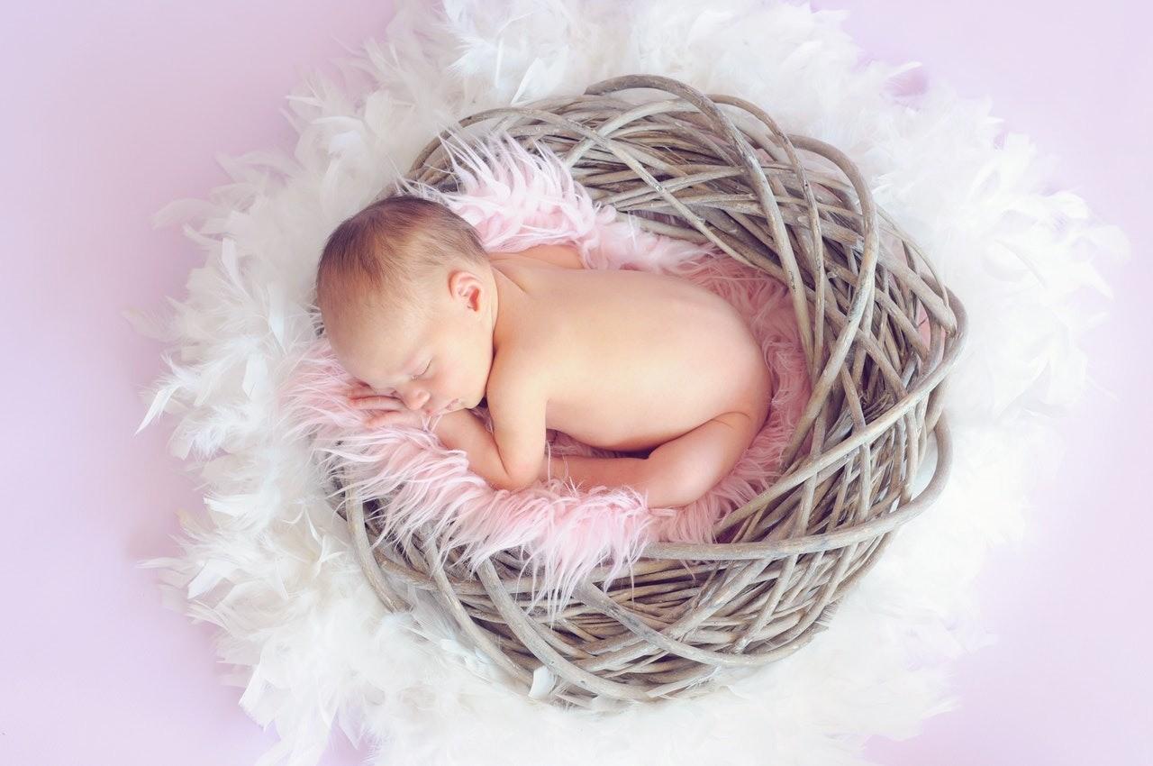 Как назвать ребенка, который родился зимой? Счастливые имена от ясновидящей