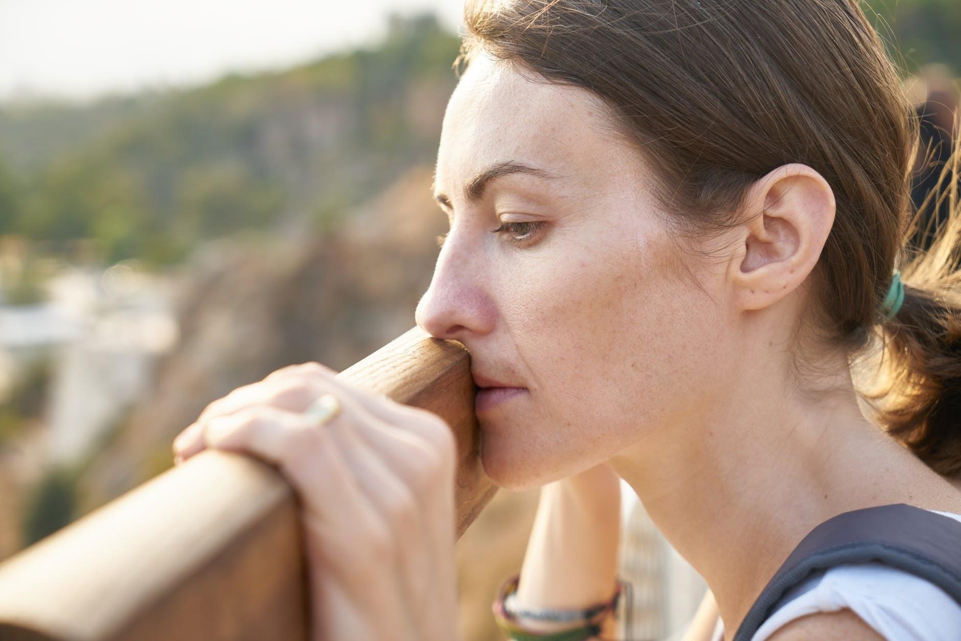 Как женщине выйти из депрессии самостоятельно: советы психолога