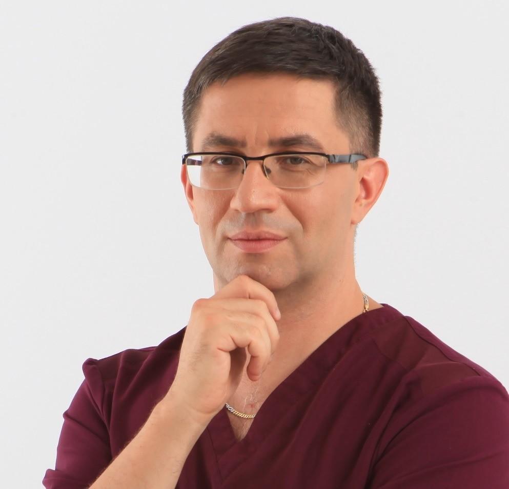 Антон Авербух, врач-дерматолог, косметолог медицинского центра «АнИрМед»