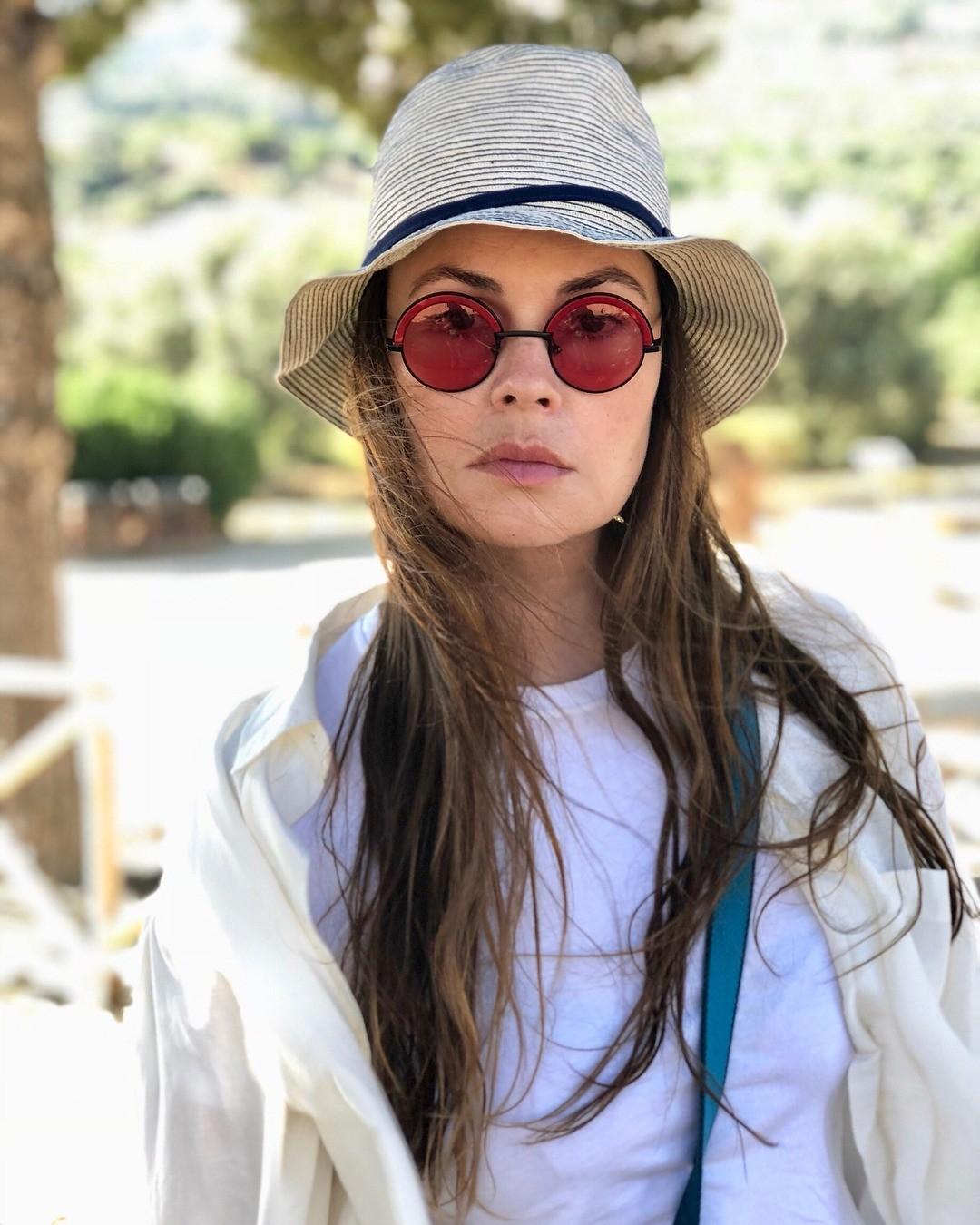 Екатерина Андреева борется со стрессом с помощью утренней зарядки