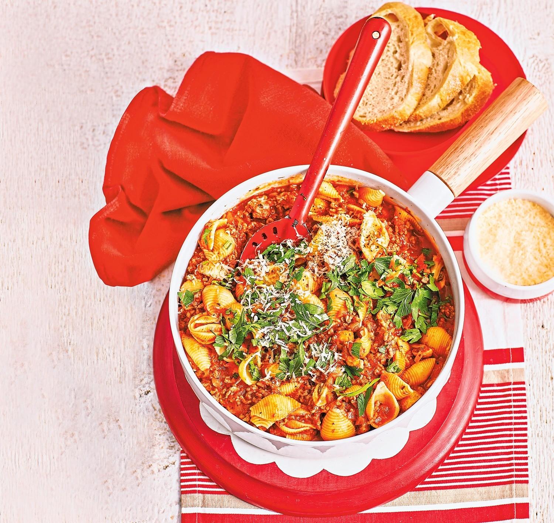 Сытный обед: рецепт пасты с говядиной и грибами