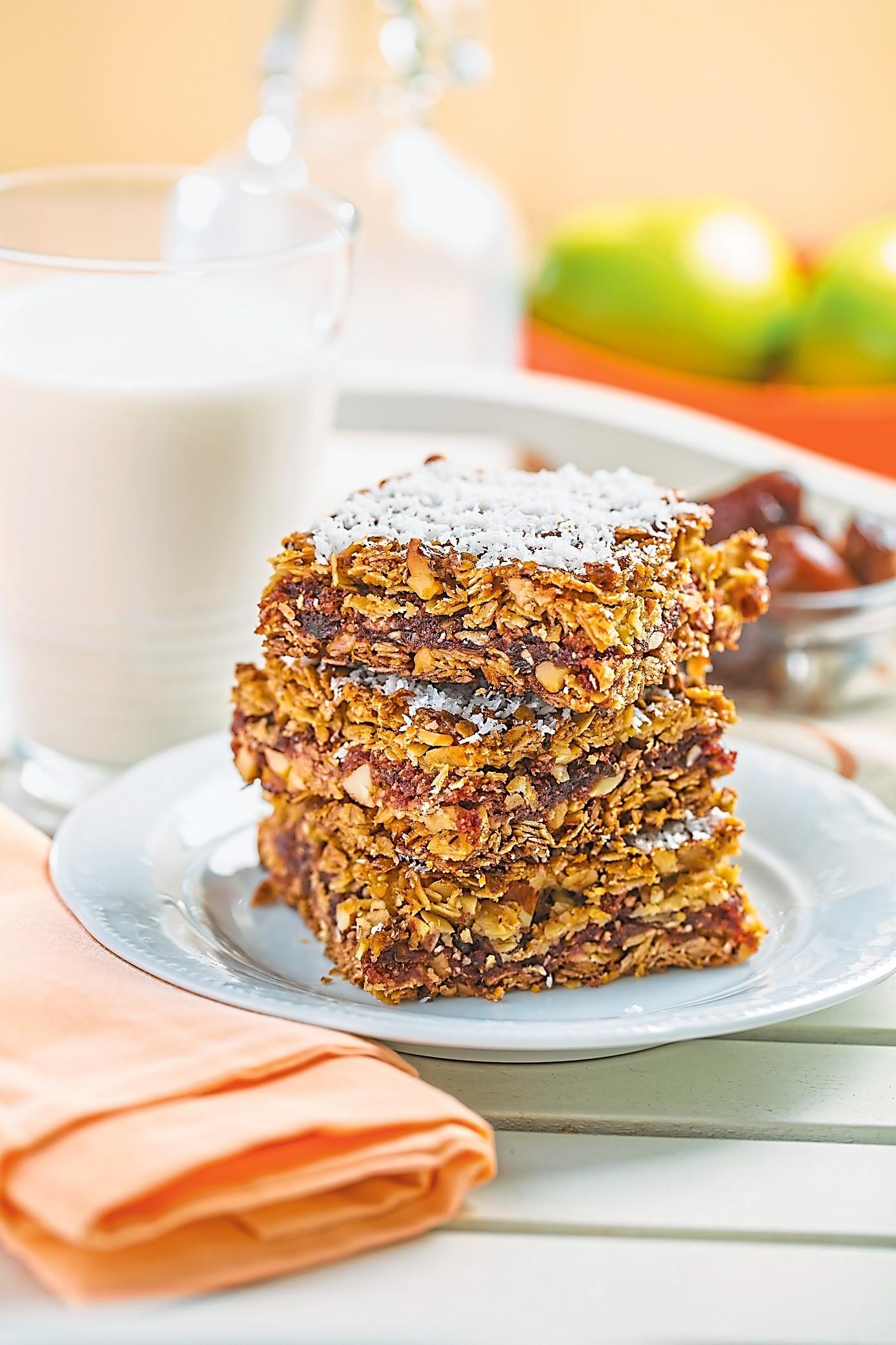 Вместо торта: рецепт пирога-мюсли с финиками