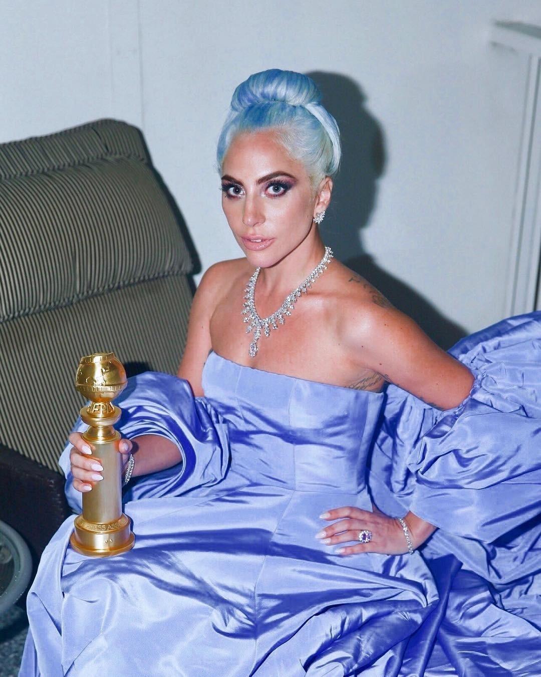 Леди Гага - интересная, яркая, космическая девушка - по мнению таролога, с инопланетной энергией. Можно сказать, ей никак не подходит энергетика Земли. В этот раз, увы, Оскара певица не п...