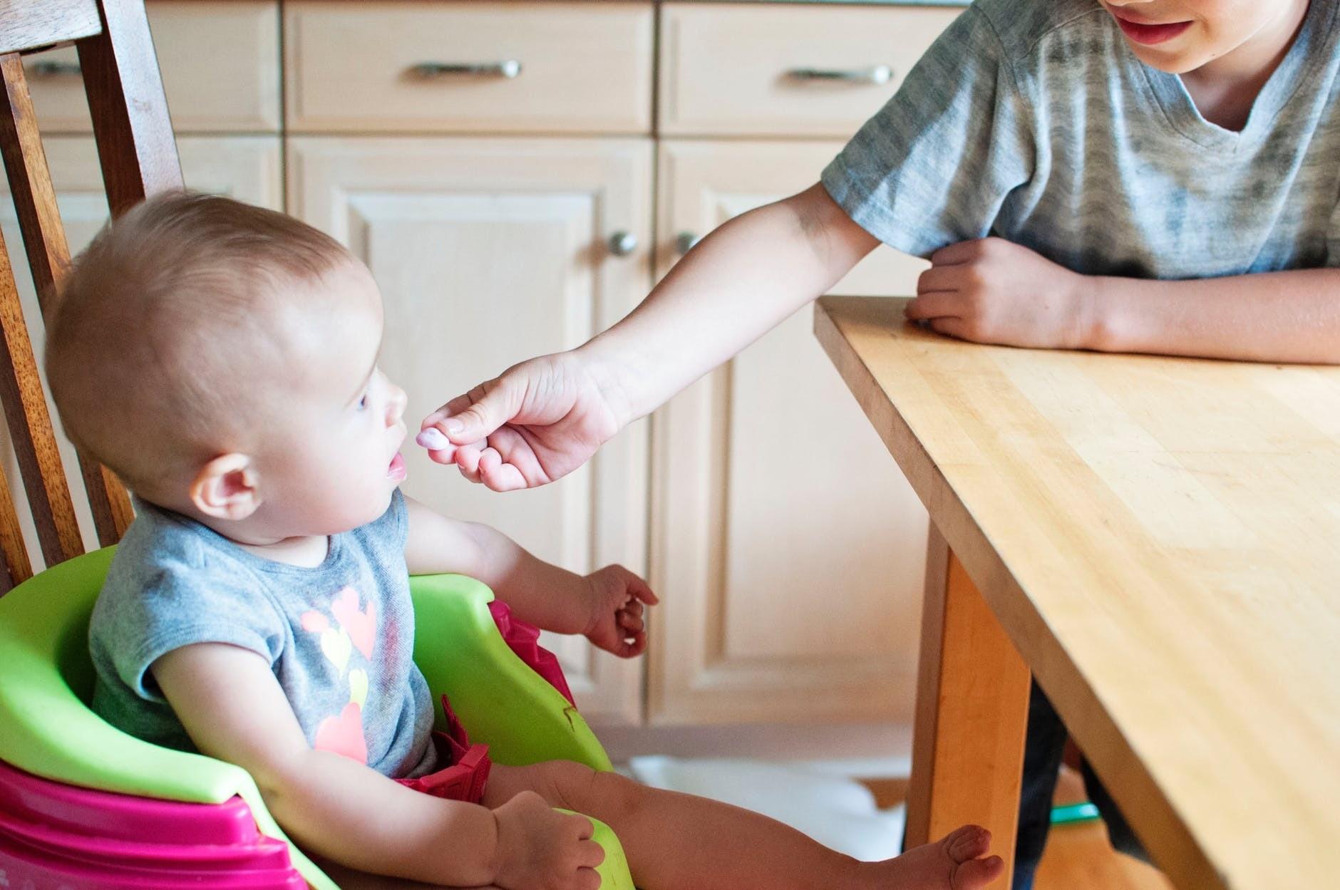 Питание ребенка в 10 месяцев: меню и рекомендации по прикорму