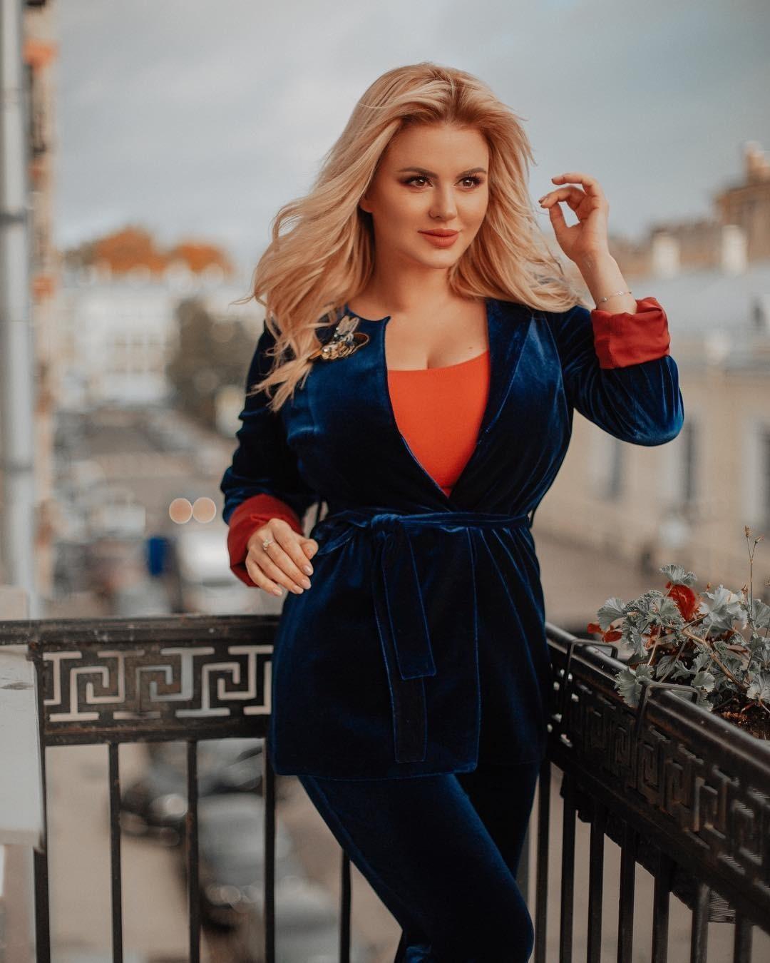Анна Семенович научилась любить себя после тяжелого разрыва с мужчиной