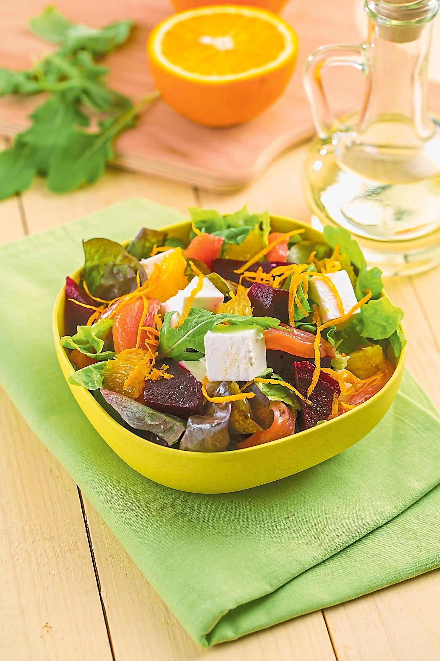 Ночной перекус: рецепт салата из свеклы с красной рыбой
