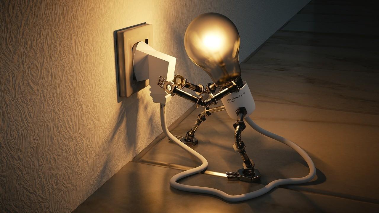 Как экономить на электричестве зимой: 10 советов и лайфхаков