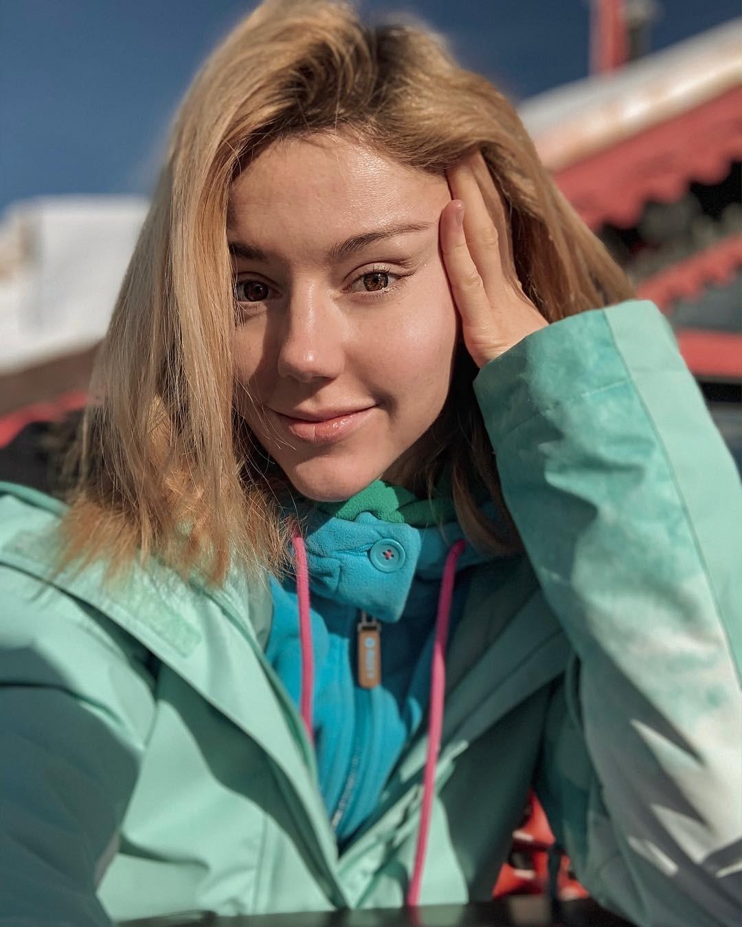 Юлиана Караулова прервала отпуск из-за болезни