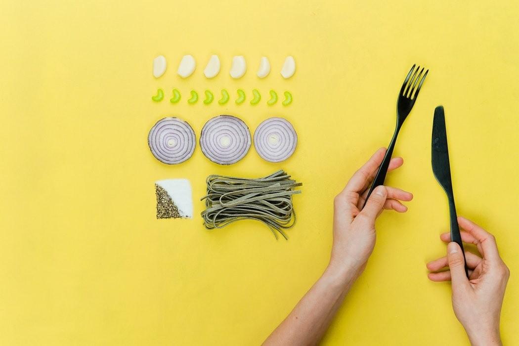 Есть или не есть: сколько калорий нужно тратить в день человеку?