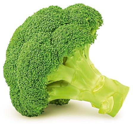 В холода мы наиболее подвержены риску простуд. Поэтому стоит есть больше продуктов, содержащих витамин C. Например, брокколи. В 150−200 г брокколи содержится 200% дневной нормы витамина С...