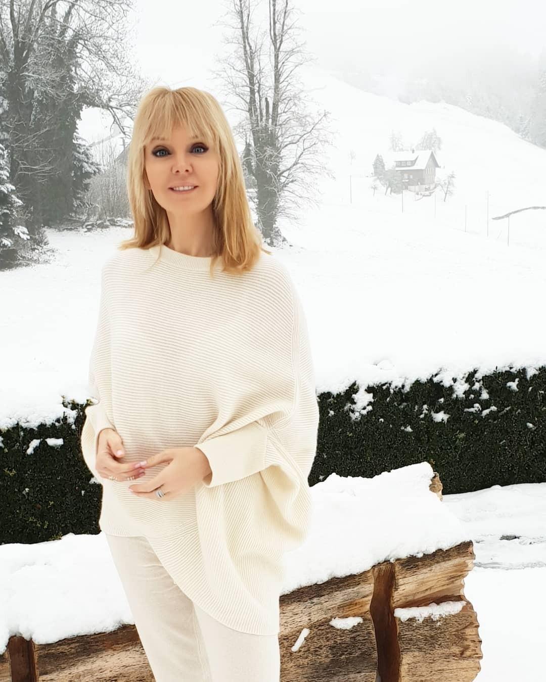 Валерия - одна изнемногих звезд, кто иззимы уехал взиму, но зато вкакую! Валерия сИосифом Пригожиным отправились внастоящую альпийскую сказку. Сейчас супруги находятся вШвейцарии,...