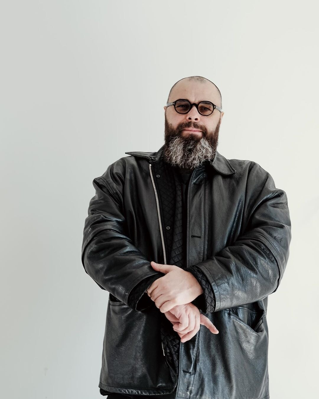 «Громкие звуки для меня губительны»: Максим Фадеев едва не лишился слуха из-за пожарной сигнализации