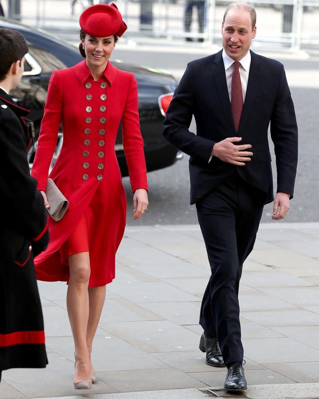 Самолет с Кейт Миддлтон и принцем Уильямом едва не разбился (видео)