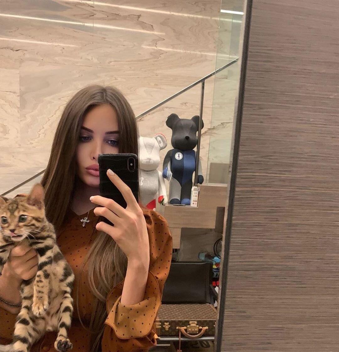 Анастасия Решетова показала, как ее коты отреагировали на появление малыша в доме (видео)
