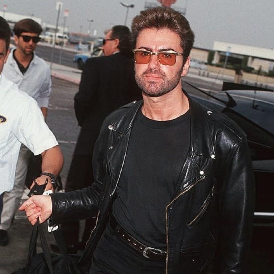 Элтон Джон заявил, что Джордж Майкл умер из-за непринятия своей гомосексуальности
