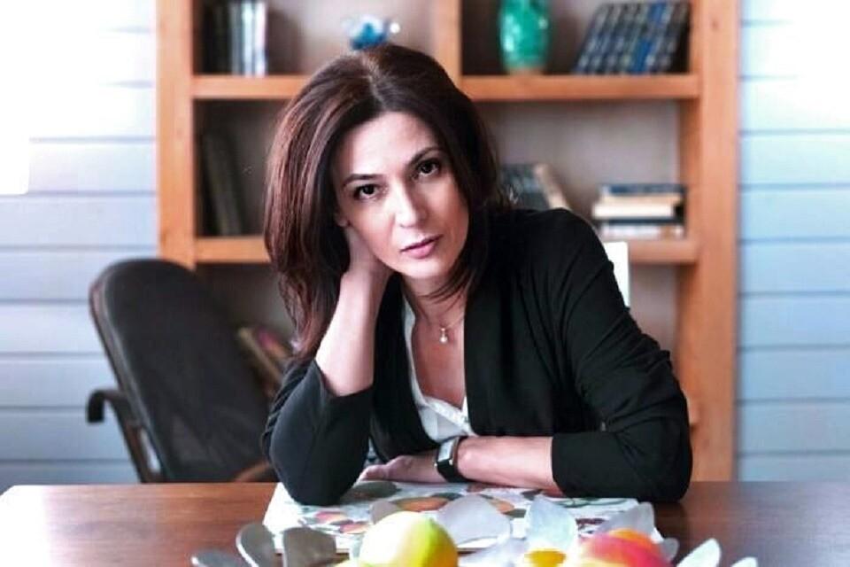 «Яактриса, авы— плебеи»: Лидия Вележева устроила пьяный скандал наборту самолета (видео)