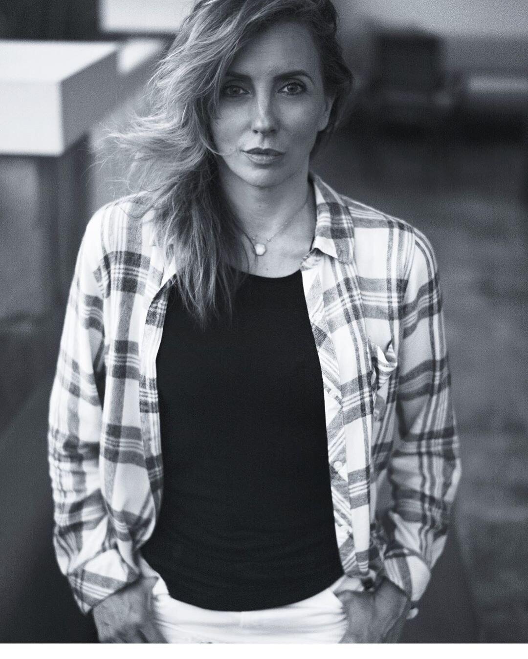 «Пятый элемент»: Светлана Бондарчук поделилась фото, накотором она целует неизвестного мужчину