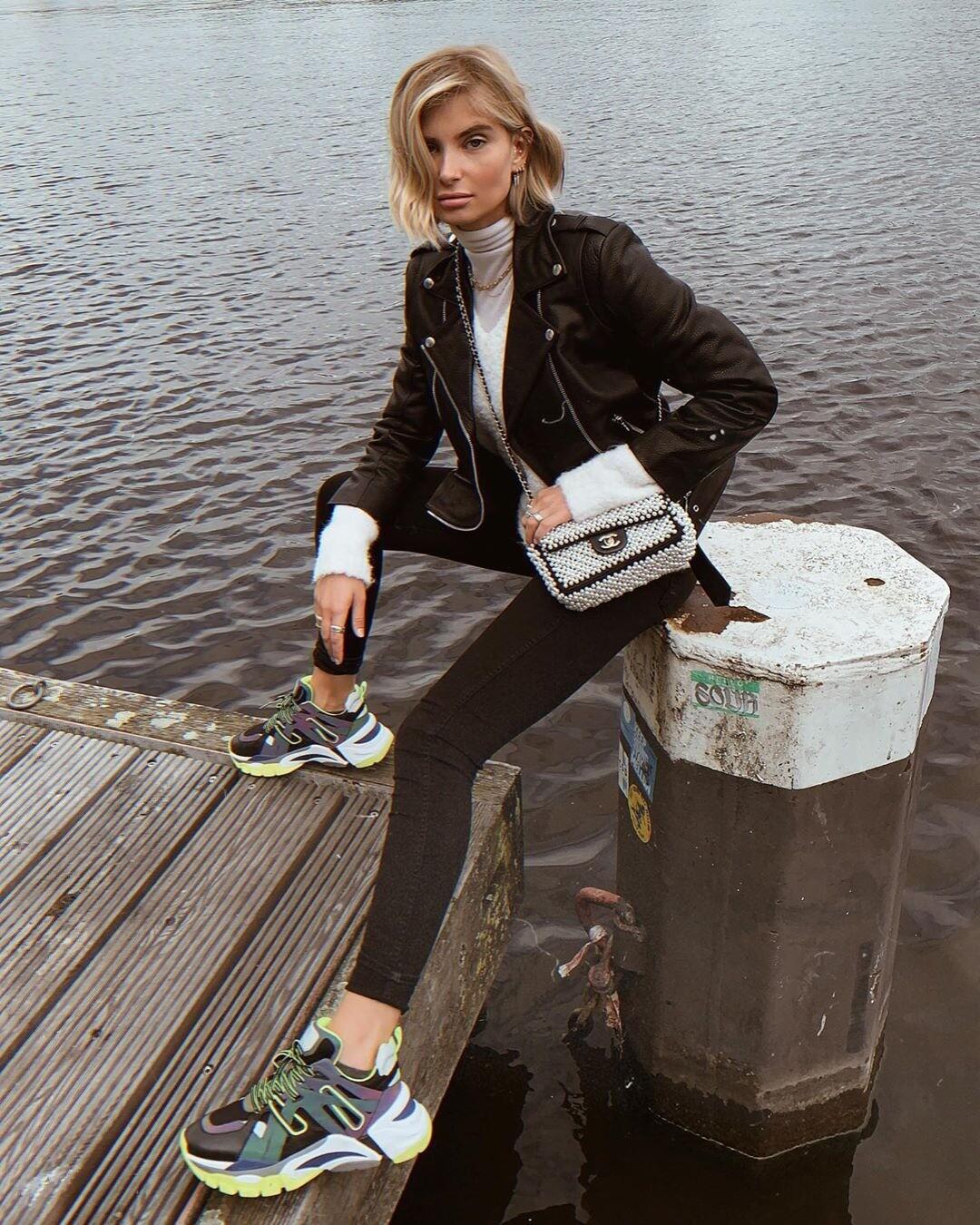 С чем носить водолазку с горлом: 47 модных образов на каждый день
