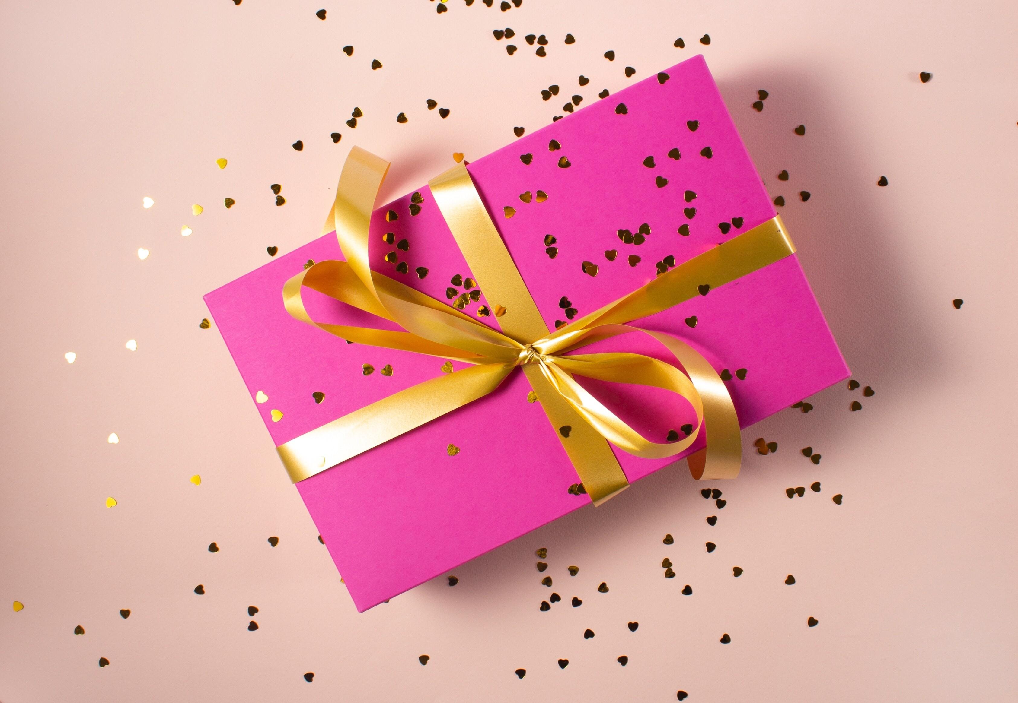 9 вариантов модных подарков для подруги