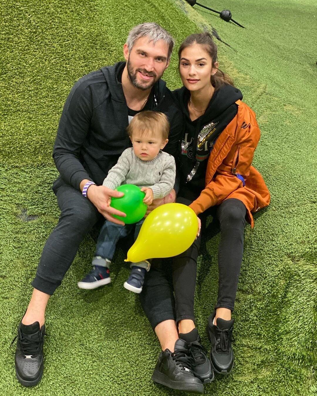 Анастасия Шубская и Александр Овечкин поделились милым семейным видео с сыном