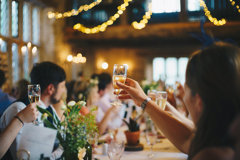 Знаки зодиака, которым можно пить только по праздникам