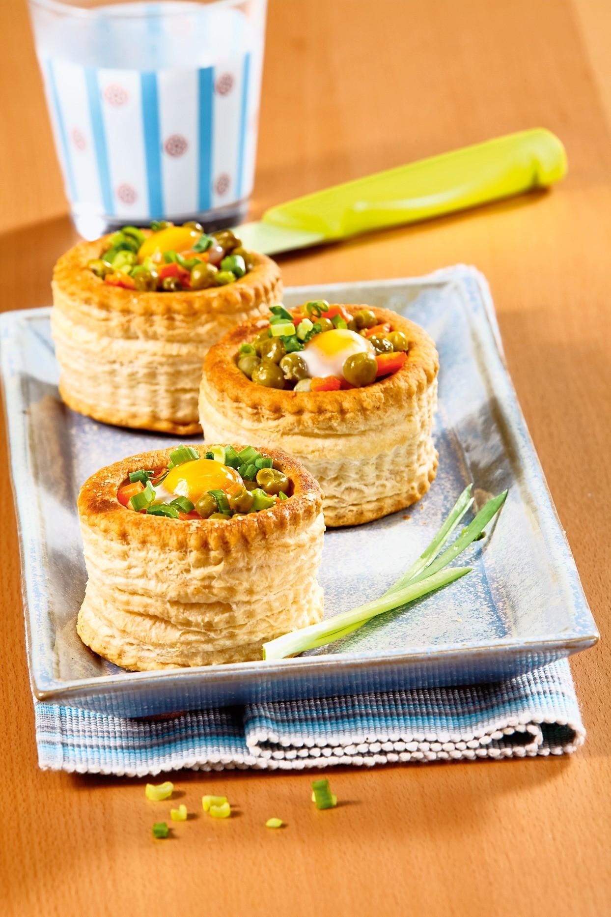 Сделай ужин праздничным: рецепт «гнездышек» с салатом