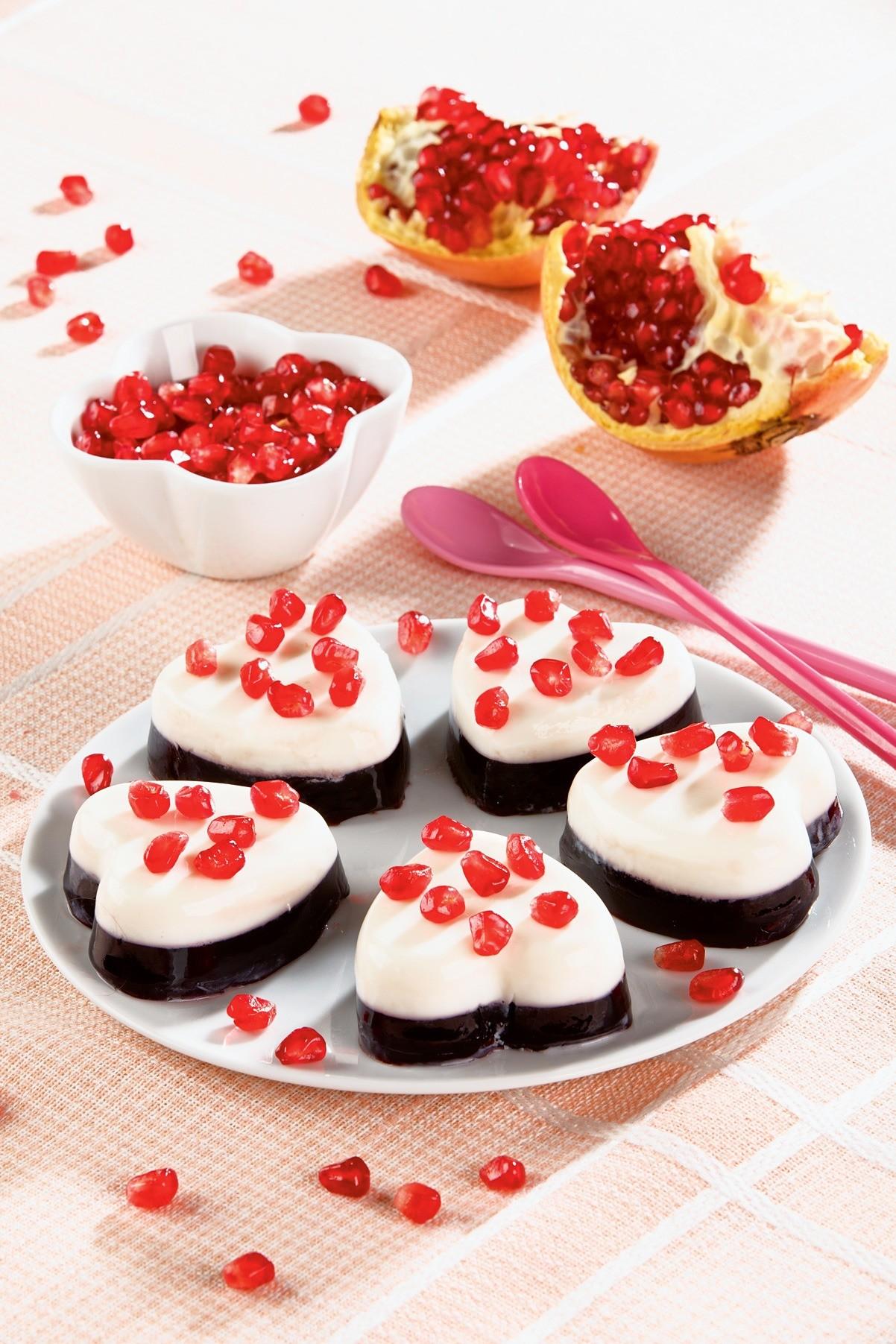 Романтичный десерт: рецепт сердечек с гранатом