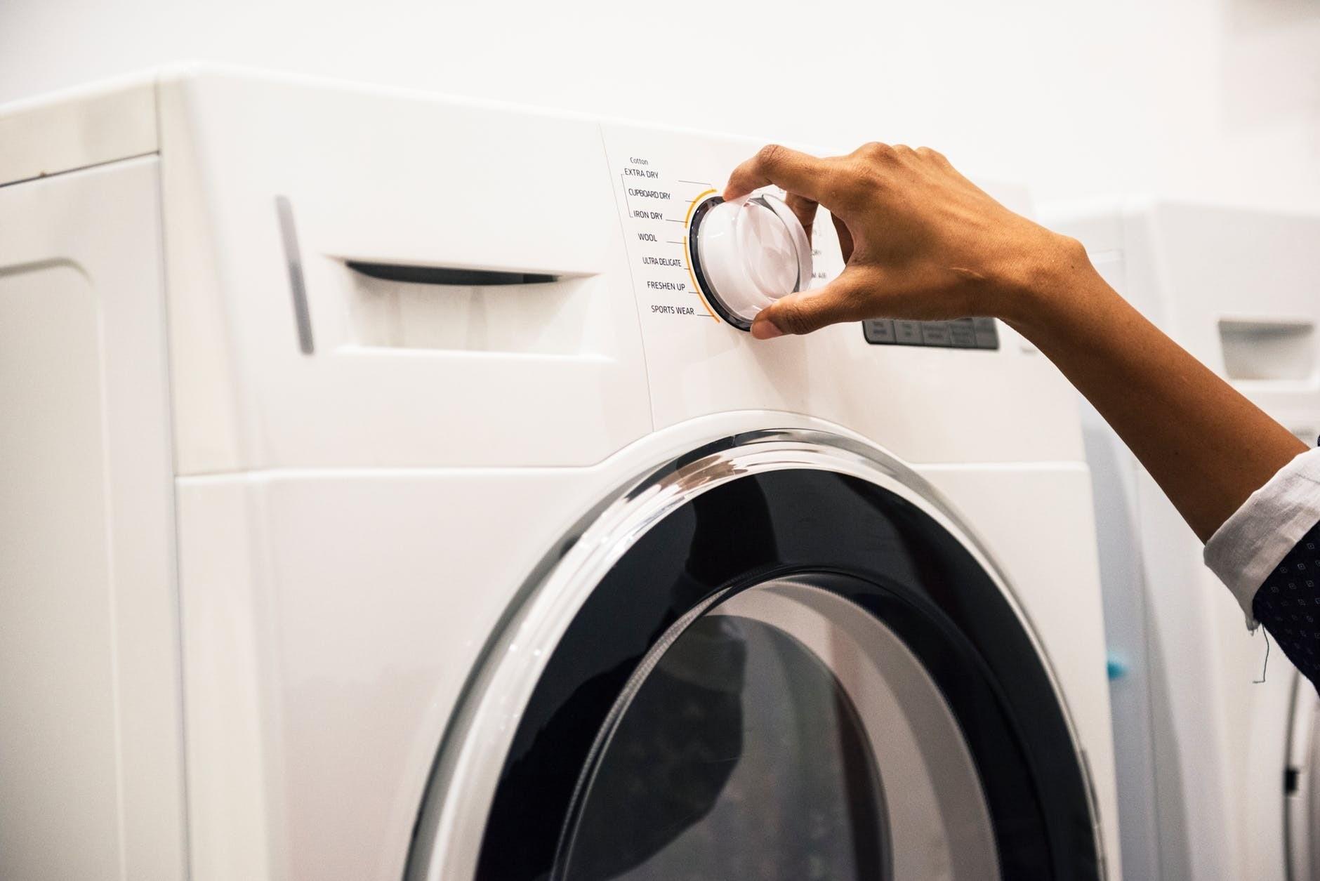Реабилитируем помощницу: как избавиться от плесени в стиральной машине