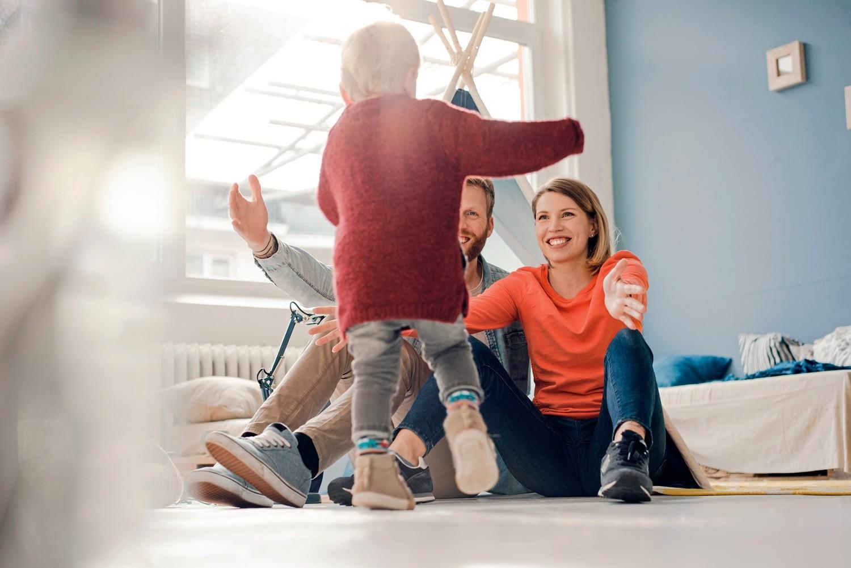 Усыновление ребенка: проблемы, стереотипы и 3 полезных совета
