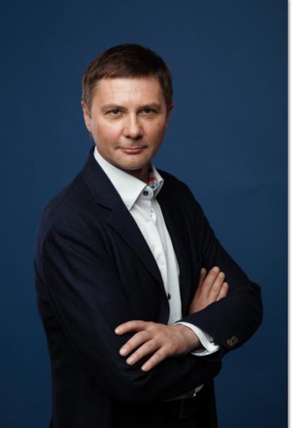 Михаил Гаврилов, врач-психотерапевт, к.м.н., автор запатентованной методики коррекции пищевого поведения иснижения веса, член Института функциональной медицины (IFM, США)