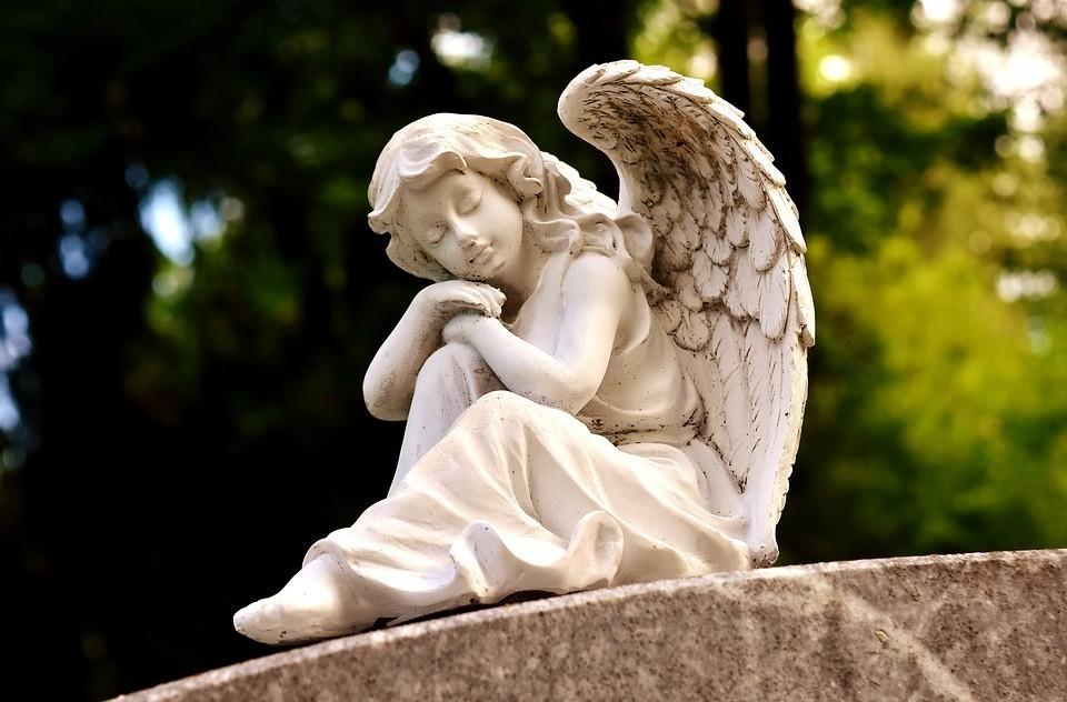 Ангелы-хранители: кто они такие и как с ними общаться?