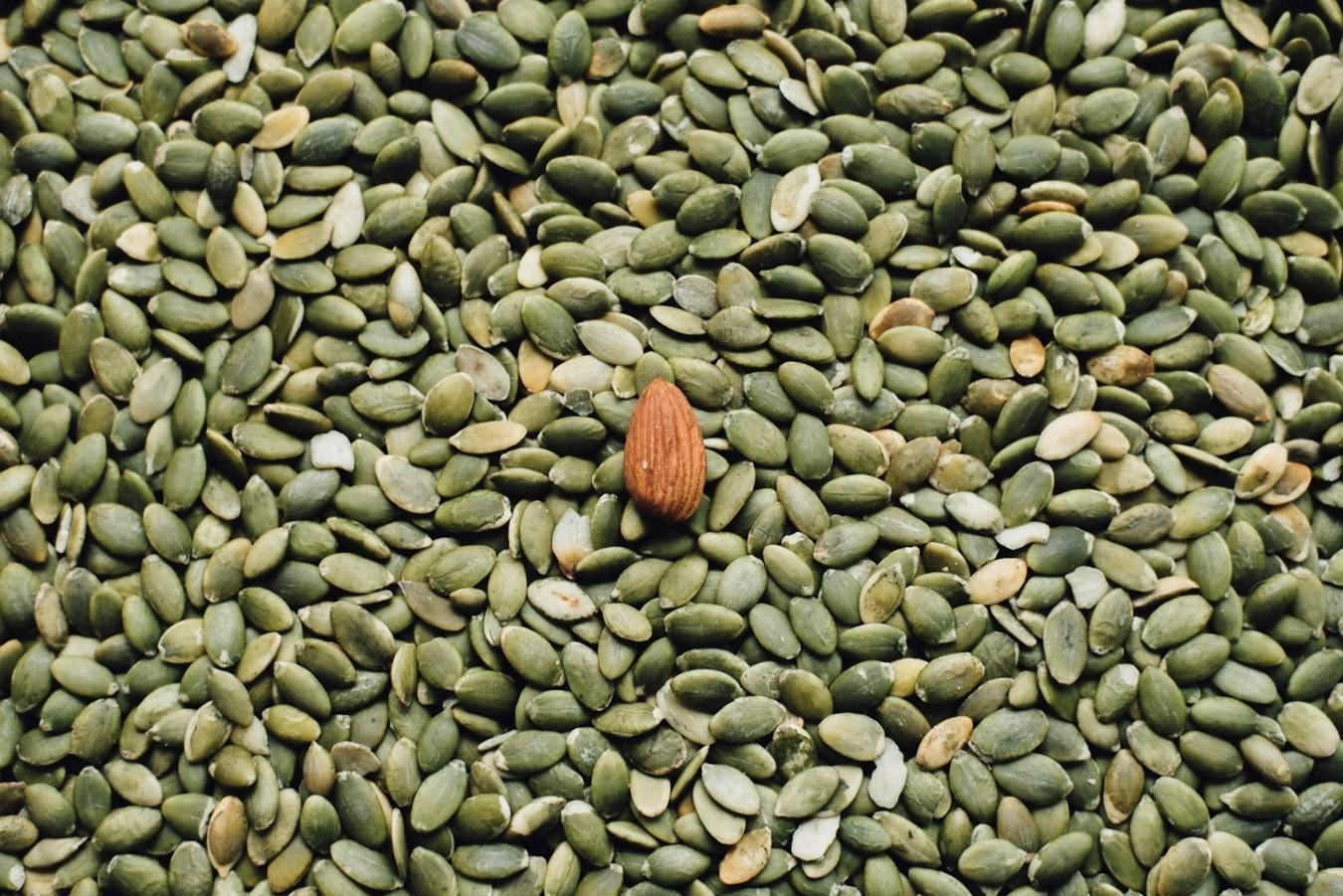 В чем польза и вред тыквенных семечек для организма? Разбираемся вместе с диетологом