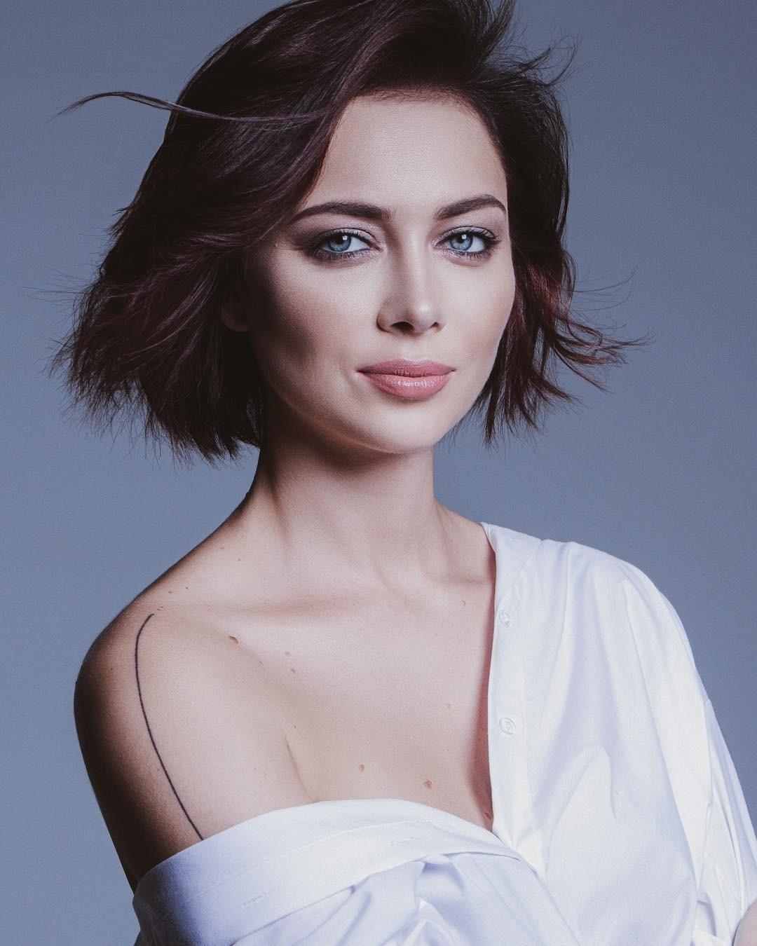 Настасья Самбурская рассказала, что ее бил отец
