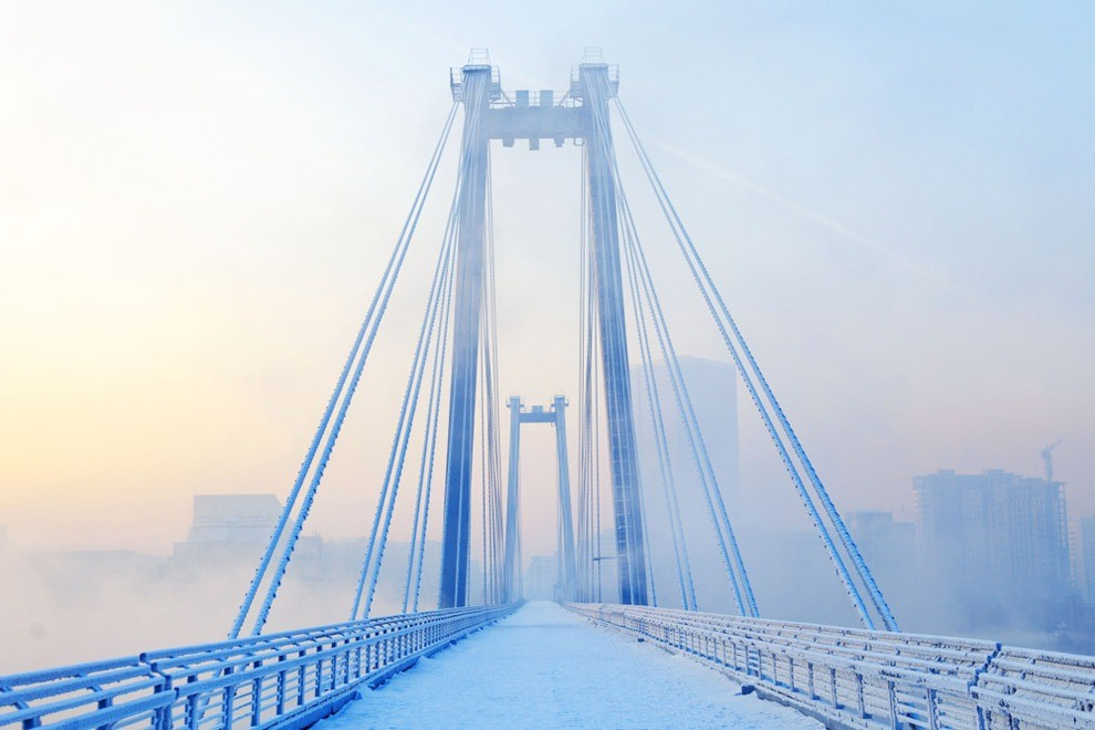 Если говорить оконкретном районе, важно понимать: Красноярск – большой город, который раскинулся наобоих берегах Енисея. Если ты хочешь увидеть все достопримечательности помаксимуму, н...