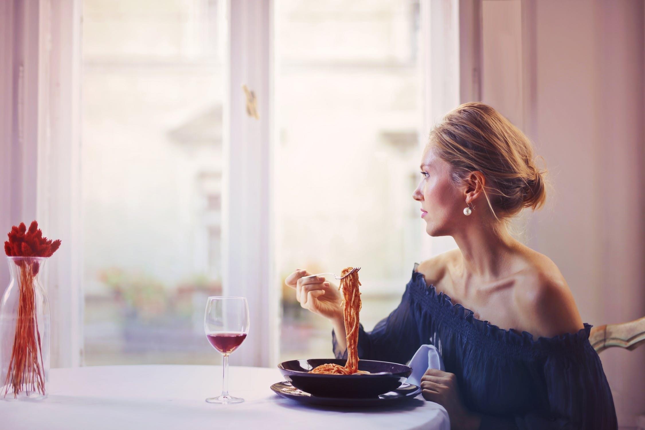 Объясняет диетолог: 3 причины, почему категорически нельзя пропускать обед