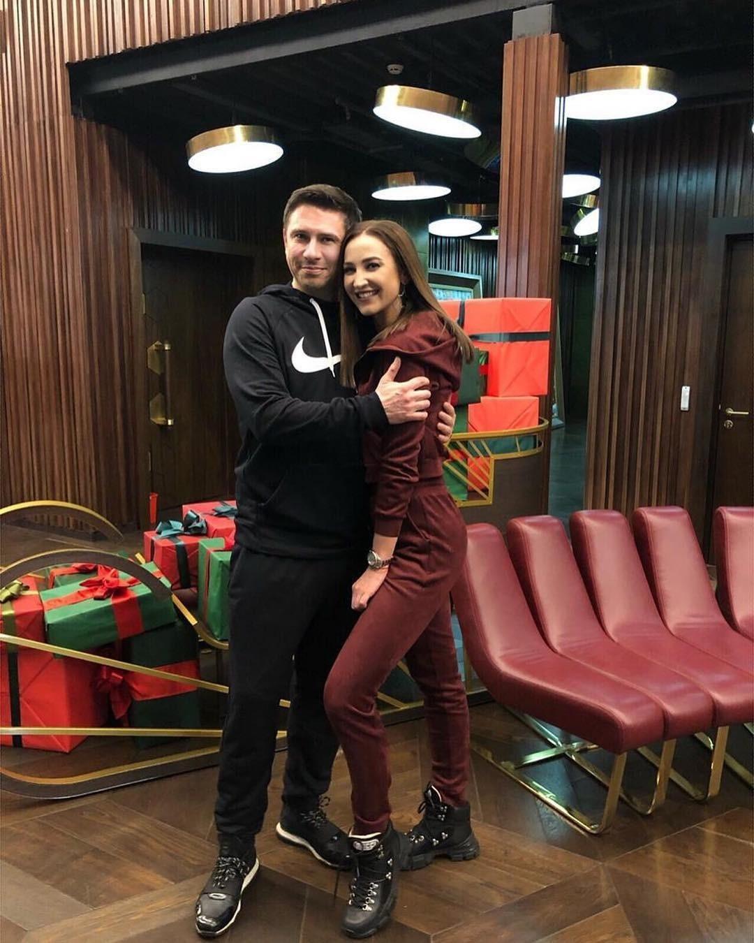 Ольга Бузова опубликовала новое фото в объятиях Тимура Батрутдинова