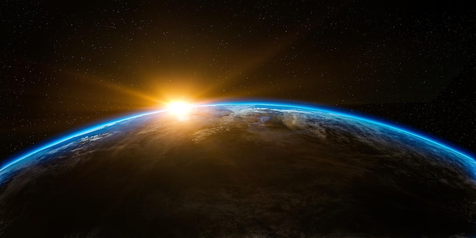 Видео в Интернете помогают людям верить в то, что Земля плоская