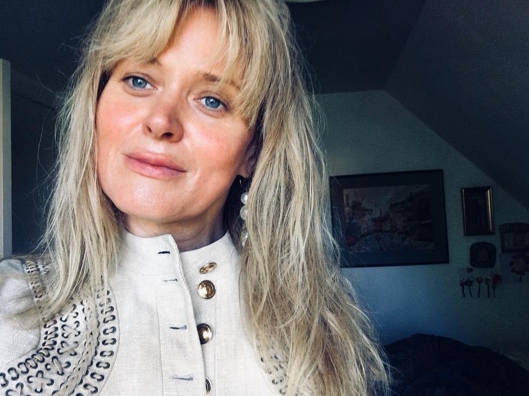 Анна Михалкова завистливо рассказала о внешности Светланы Ходченковой