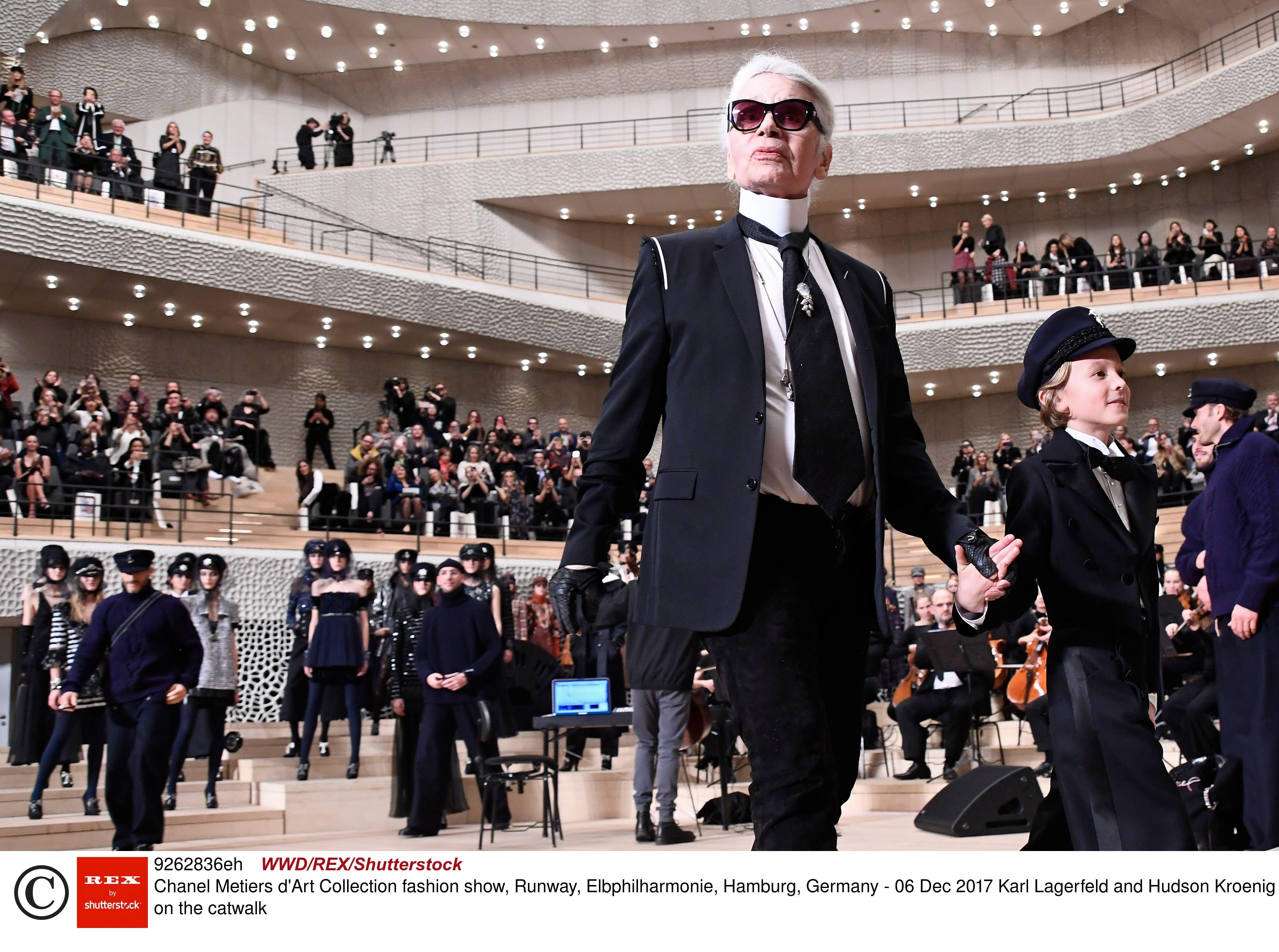 Самые запоминающиеся показы Chanel от Карла Лагерфельда