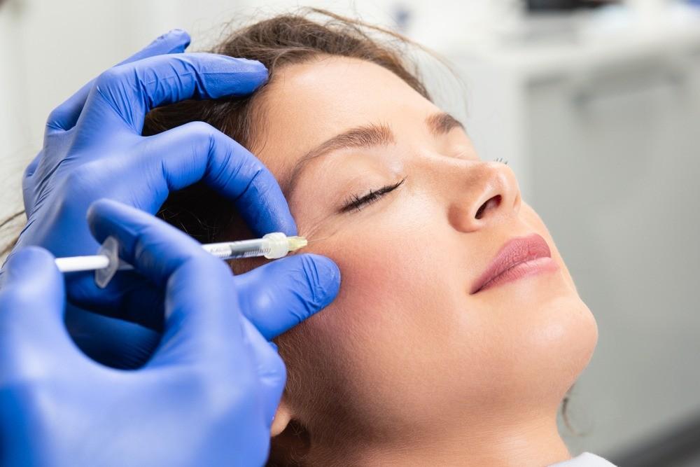 Подтянутая кожа без операций в любом возрасте – возможно или нет?