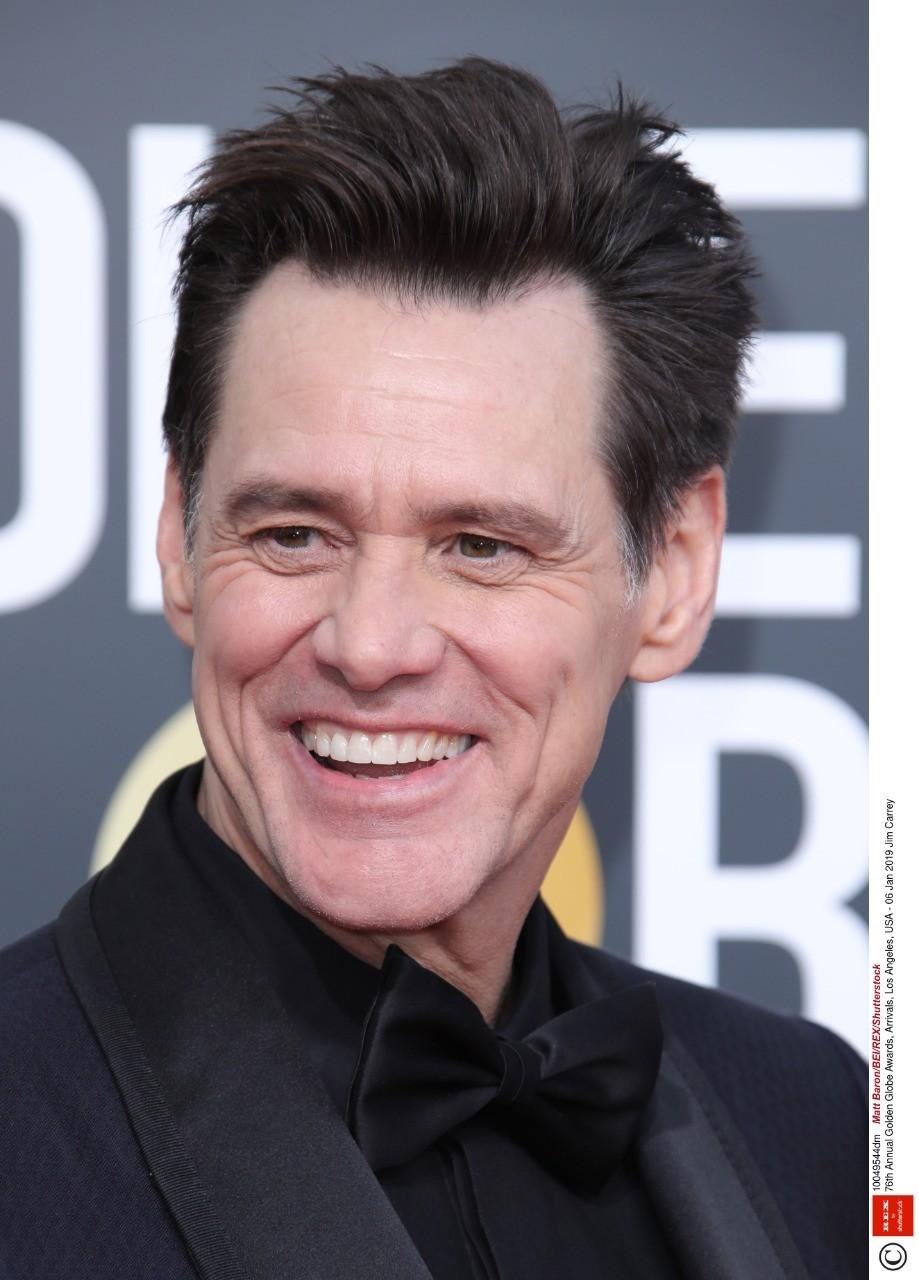 Удивительно, но этот культовый американский комик, сыгравший вфильмах «Маска», «Шоу Трумана» и«Человек налуне», даже никогда неноминировался на«Оскар». Зато вкопилке Керри есть нес...