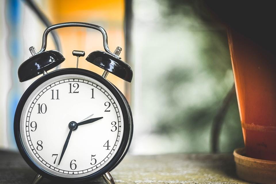 10 простых шагов, как научить ребенка понимать время на часах
