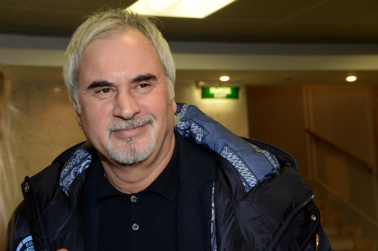 В шапочке и с полотенцем: Валерий Меладзе опубликовал видео из бани