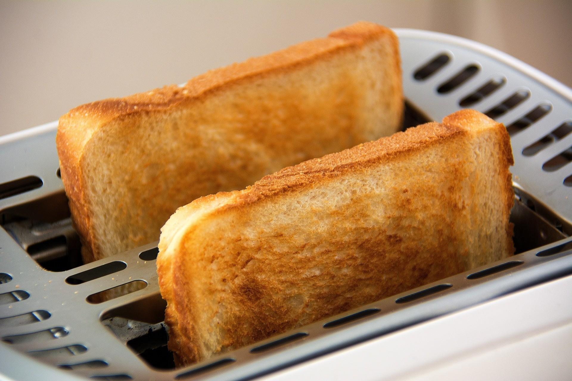 1 тост избелого хлеба.
